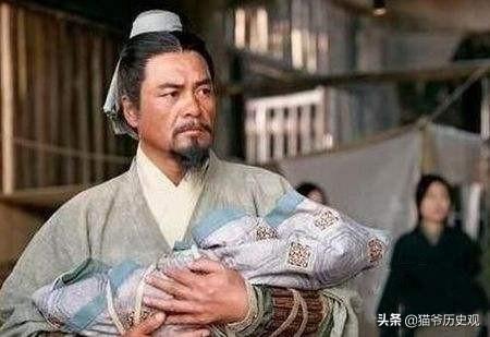 东汉末年最成功的商人政治家,弟弟出卖刘备仍能保全家族