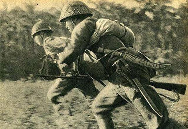 炮兵轰完步兵冲,进攻像蝗虫:抗战老兵忆日军进攻套路
