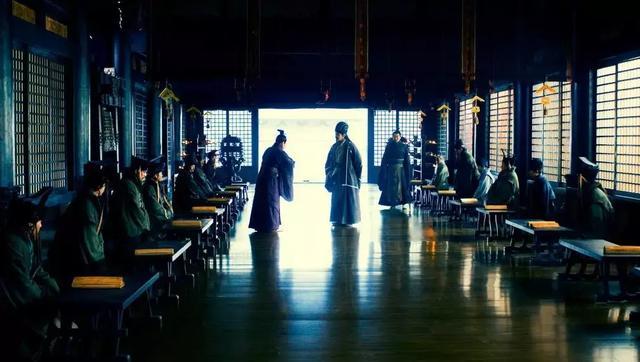 三国里怼人只服诸葛亮,舌战群儒时所说的每一句都包含有套路