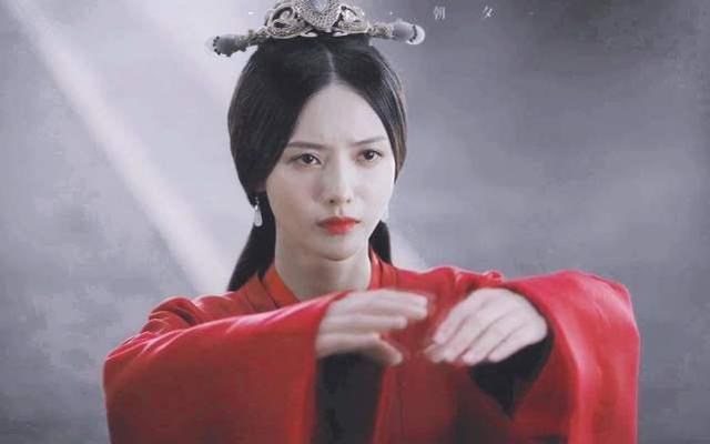 东汉末年,有个富商将全部身家都压在刘备身上,后来果然回报丰厚