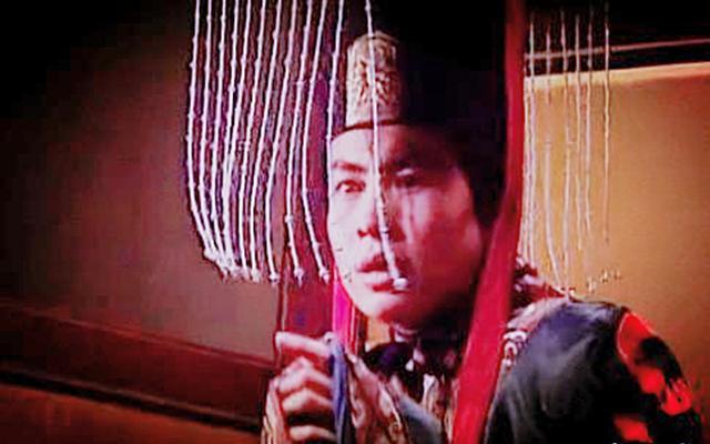 东汉的衰败灭亡哪个皇帝最该背锅?汉灵帝亲手葬送了东汉