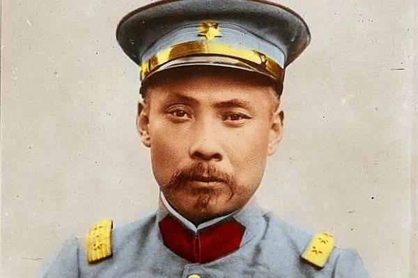 忠心耿耿的段祺瑞、冯国璋为何反对袁世凯称帝?全因皇太子袁克定