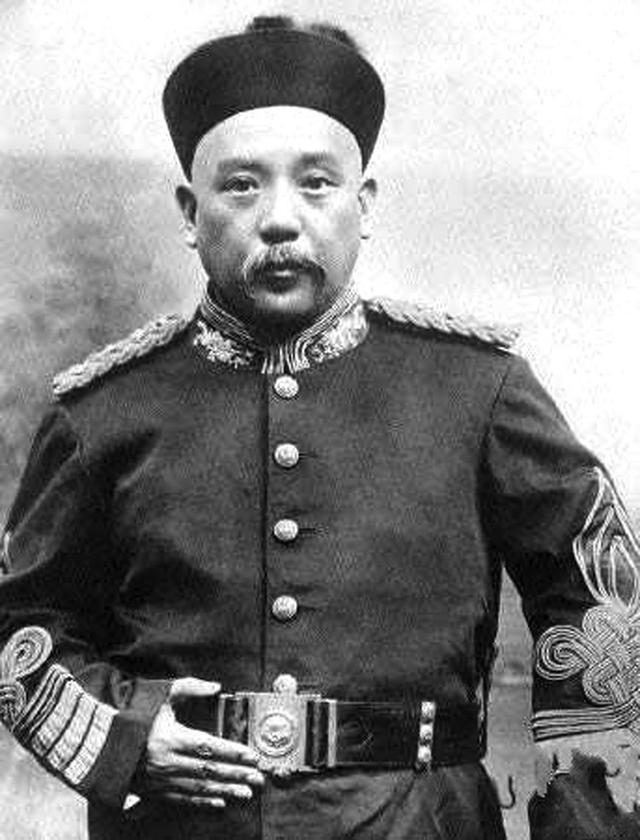 他是中国最后一位皇帝,临死前说了四个字,指出的凶手惊呆世人