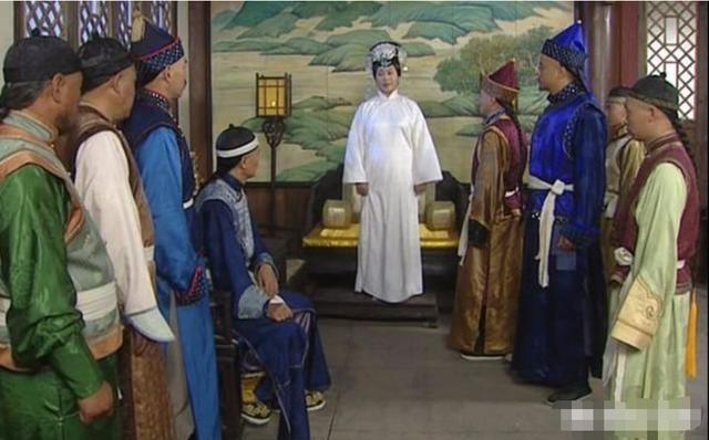 多尔衮的母亲阿巴亥,为何年纪轻轻就要给努尔哈赤殉葬?