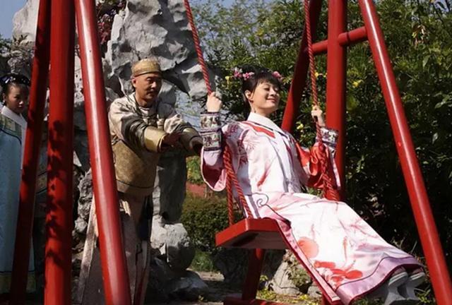 甄嬛传:皇后着急除掉甄嬛是情理之中的,谁让皇帝给甄嬛吃生饺子