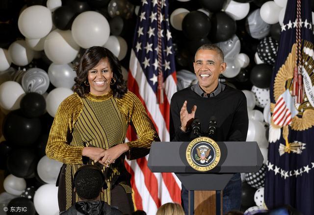 新媒:奥巴马夫妇分别当选2018年美国最受钦佩男性和女性