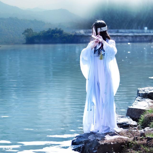 故事:如今她来到唐朝已经多年,再也没有当初刚来时的彷徨与害怕
