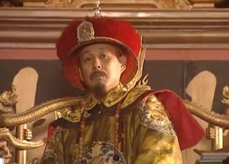 清朝皇帝无数,康熙为何被尊为千古一帝?只因为他做了这样一件事