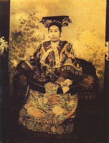 历史上的今天 | 清朝重臣、慈禧太后的秘密情人荣禄 卒。