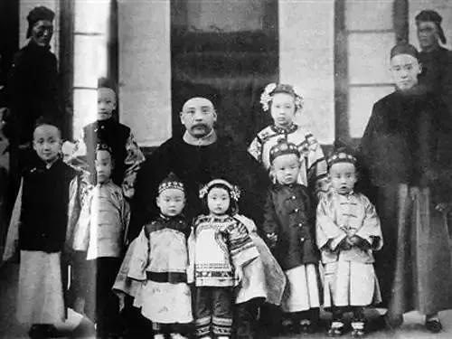 民国第一家族:兴衰百年间,辛酸与谁说
