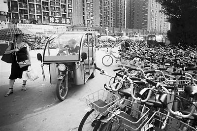 """受共享单车冲击 蹦蹦""""失宠""""从业者转行轻浮三雅寻出路_财经"""