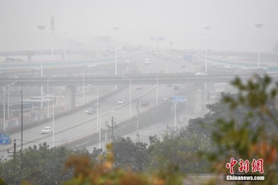 环保部:14家单位未严格落实重污染天气应急预案_国皓皓楼前月初白内新闻