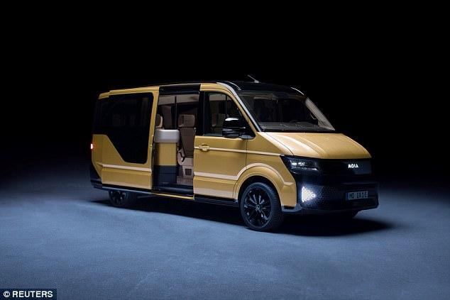 大众首发叫车服务 刘文亨学评书2025年将配备100万辆迷你巴士_科技
