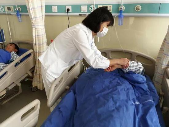 天津城市大厦伤者自述火灾经历 预计三五天可恢复|消防员炭峰战技|火灾|医院