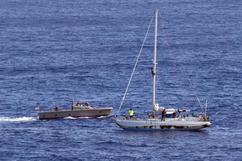 美国两名女子遇皓皓楼前月初白船只故障 海上漂流5个月后获救|夏威夷|船只|故障